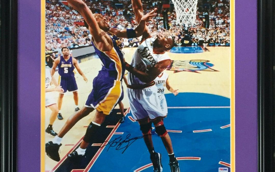 Kobe Bryant signed 2001 NBA Finals Dunk Photo framed autograph HOF PSA COA