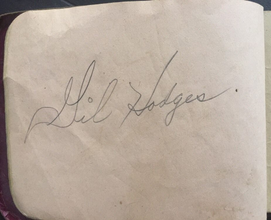 Gil Hodges Signed 1947 Rare Vintage Bold Autograph Page Brooklyn Dodgers Psa Dna