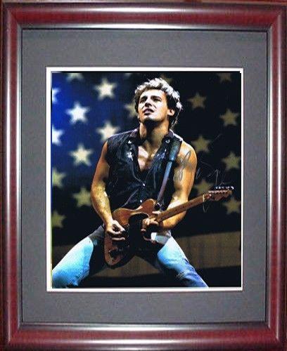 Bruce Springsteen Signed 11×14 Photo Framed  PSA/DNA coa  born in usa auto rare