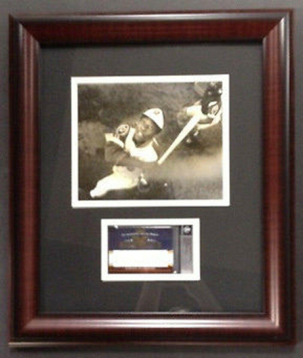 Hank Aaron Framed 09 Razor Sports Icons Cut Auto 6/50 Beckett COA Original Photo