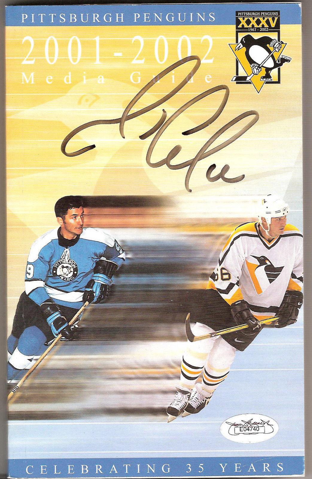 Mario Lemieux Signed Auto 2001-02 Pittsburgh Penguins Media Guide JSA Authentic