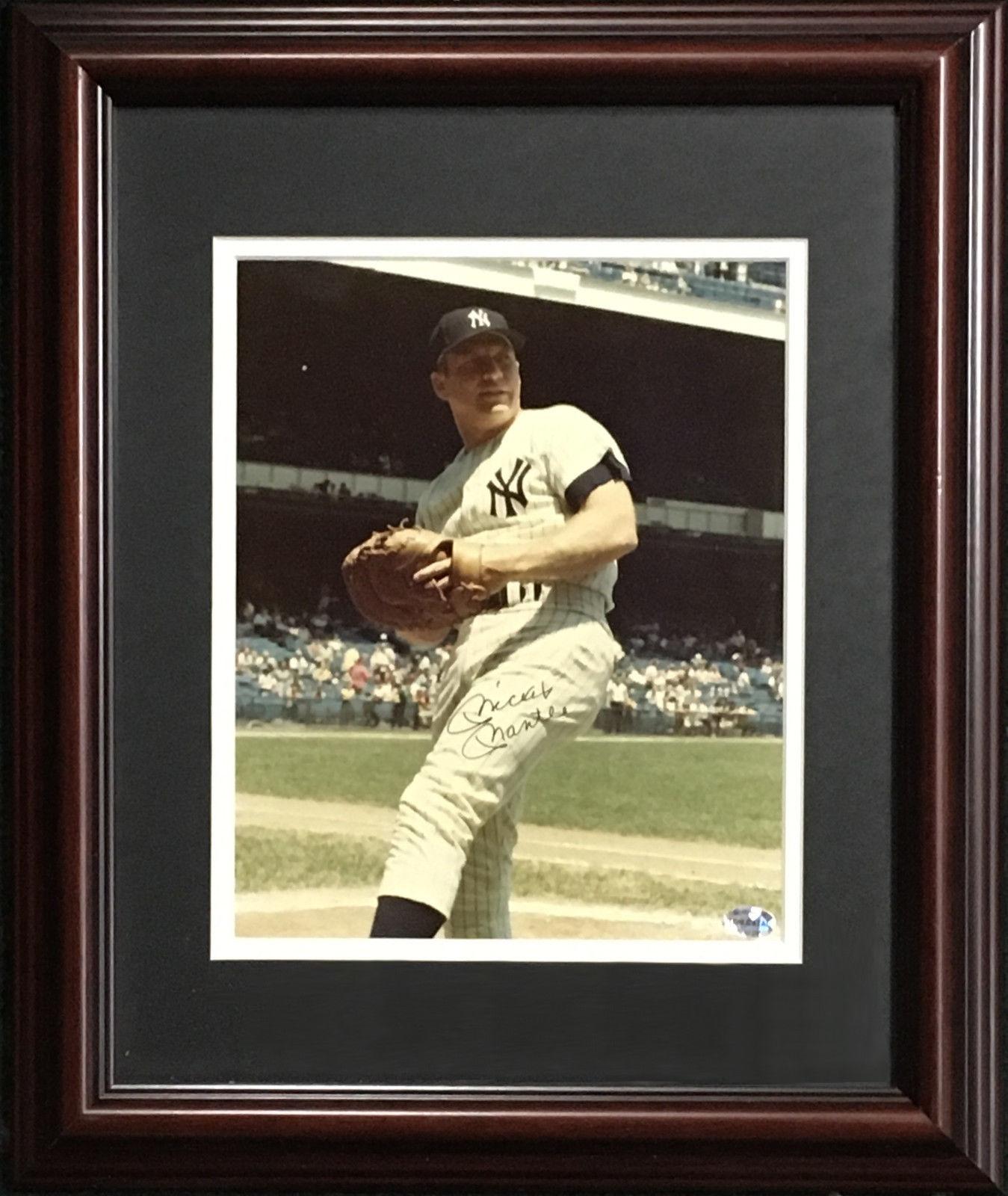 Mickey Mantle Yankees signed 8×10 1b photo framed vintage autograph CBM COA