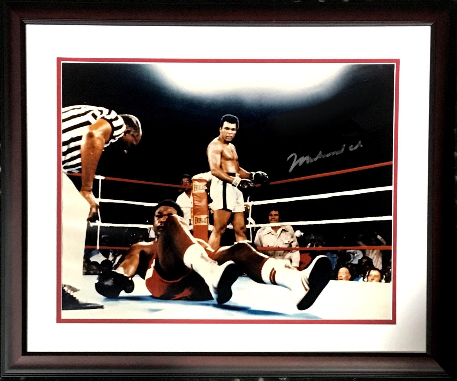 Muhammad Ali signed 16×20 photo framed vintage autograph JSA LOA