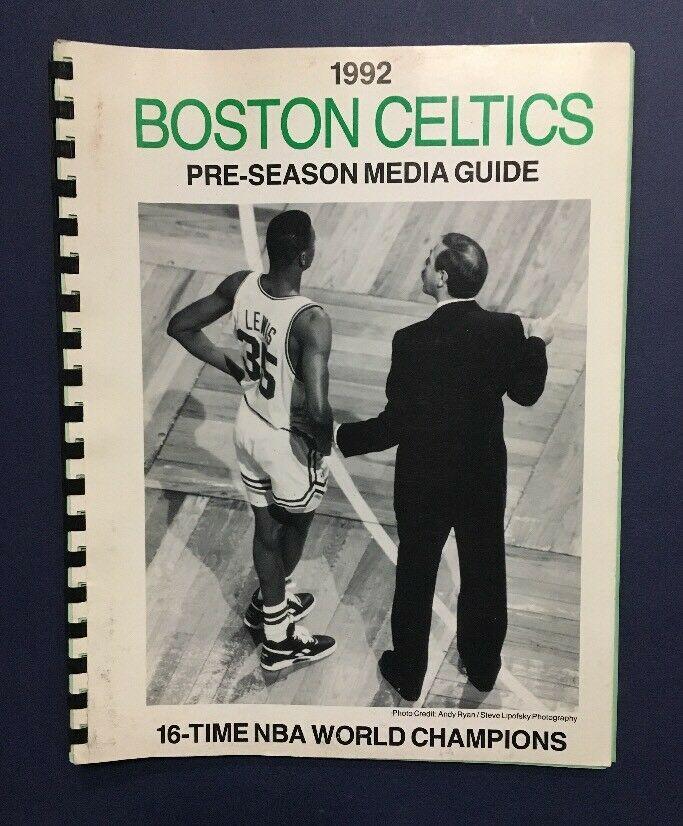 Boston Celtics 1992 pre-season media guide Reggie Lewis Cover Boston Garden Rare