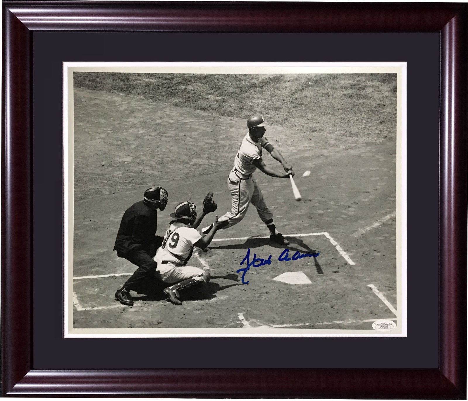 Hank Aaron Braves signed 11×14 original photo framed mint autograph HOF JSA COA